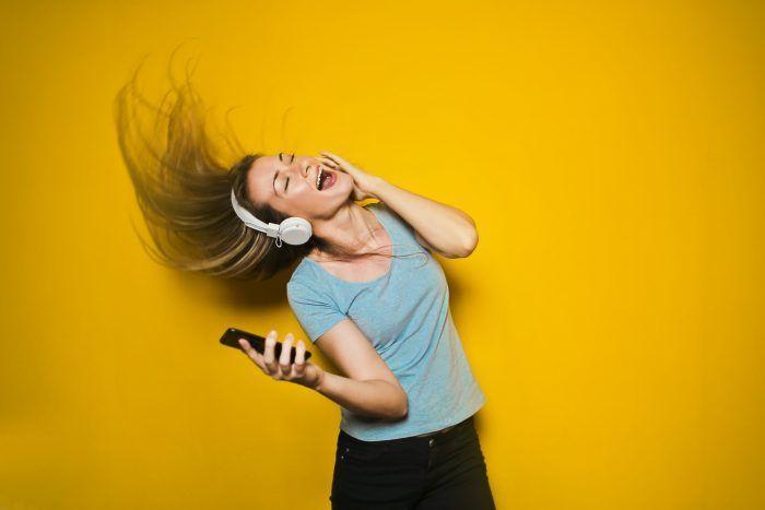 joy listen headphones