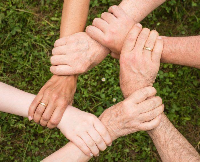 support link hands