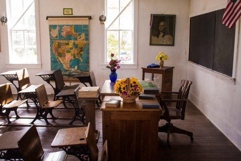 tidy american classroom 768x512